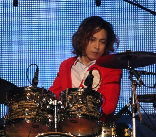 Kyung-Sub Lim playing cymbals