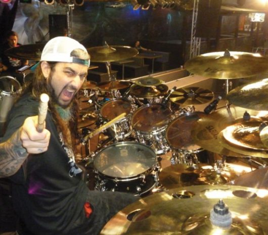 Mike Portnoy playing cymbals